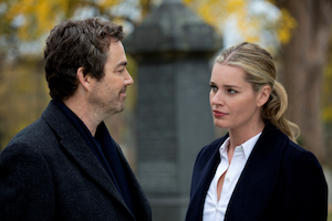 Jon Tenney as Sean King and Rebecca Romijn as Michelle Maxwell in TNT's new drama.