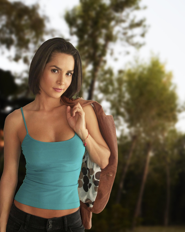 Carmen Villalobos as Leonor Ballesteros | Scryptyd